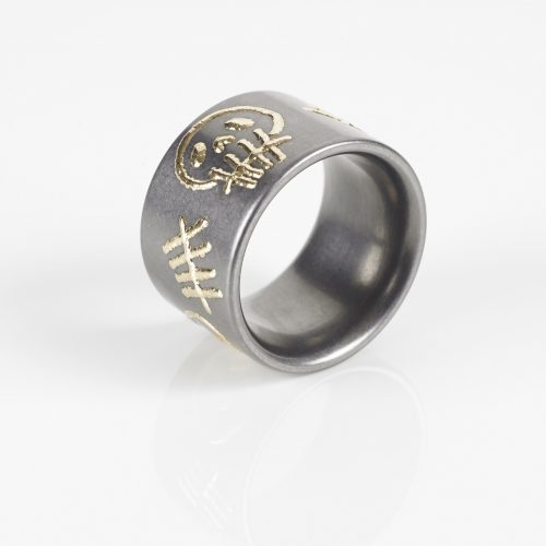 "TANTAL RING HEAVY METAL COLLECTION ""GOLD SKULL"""