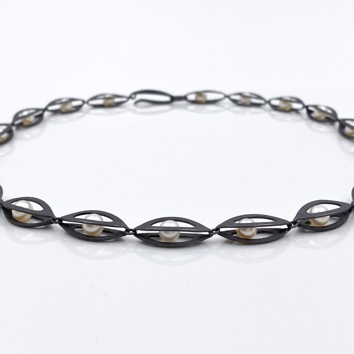 Tantal Kette mit Perlen Unique Pieces Collection